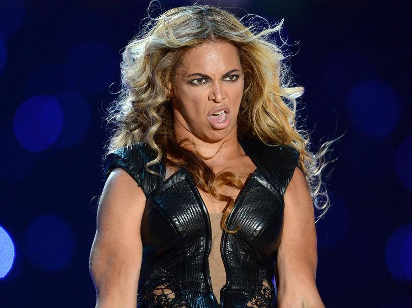 Beyonce-fait-la-grimace-au-Super-Bowl-2013_exact810x609_l